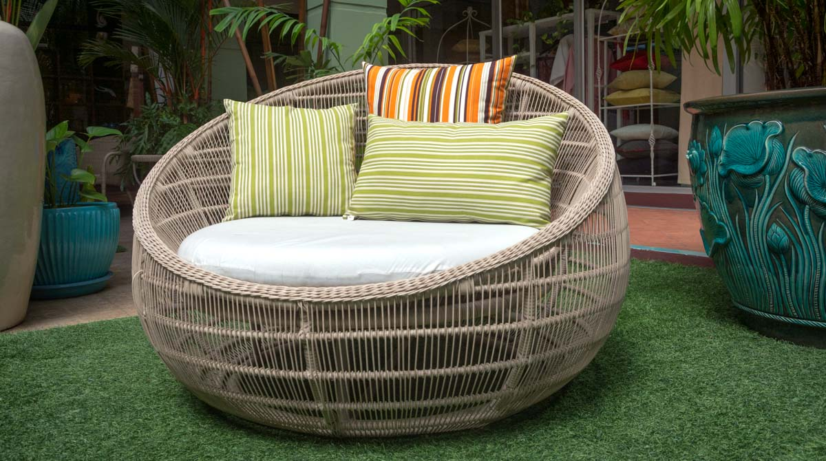 Modern teak outdoor furniture cool broyhill outdoor for Outdoor furniture phuket